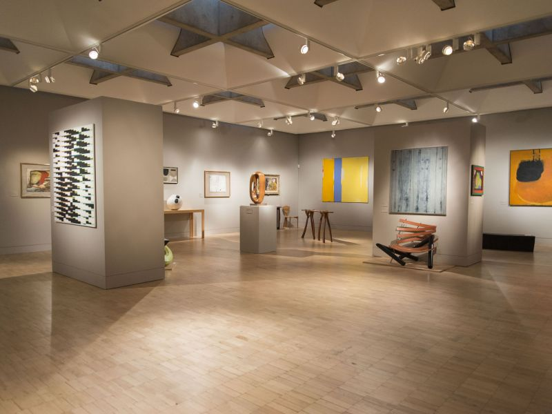 A highlight image of Gallery 11 - the 20th Century collection