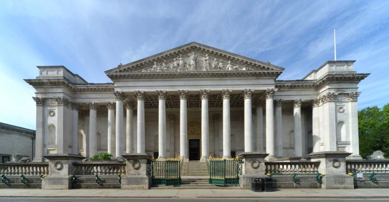 The portico of the Founder's Building of the Fitzwilliam Museum