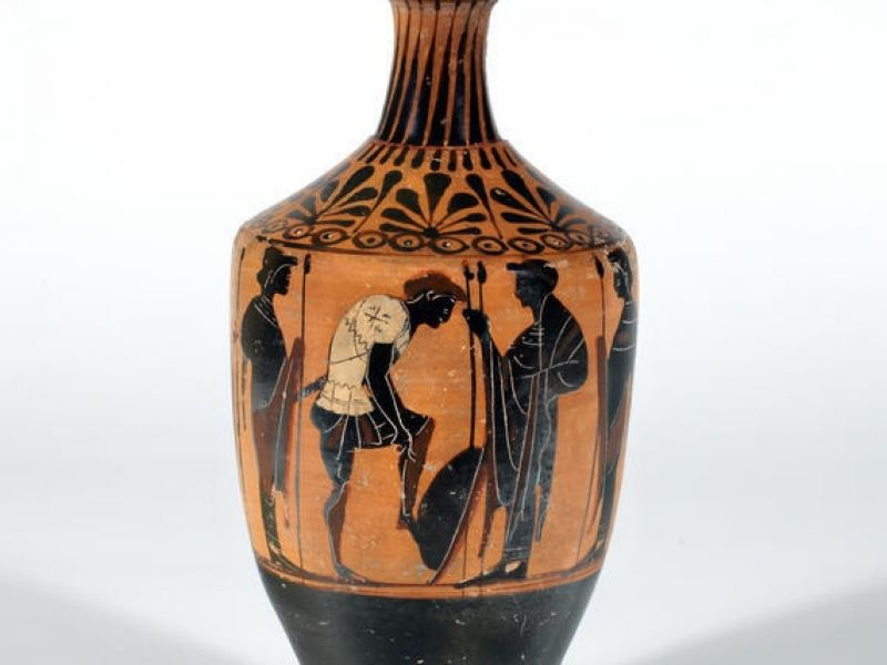 A lekythos depicting a warrior arming himself (GR.6.1917)
