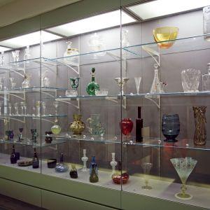 Gallery 18: Mezzanine Level